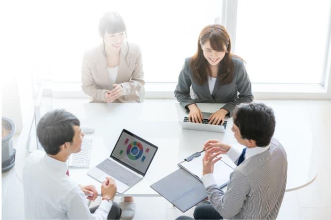 あしたのチームの人事評価制度の特徴① 評価が難しい間接部門やテレワークに対応した評価制度設計も可能。